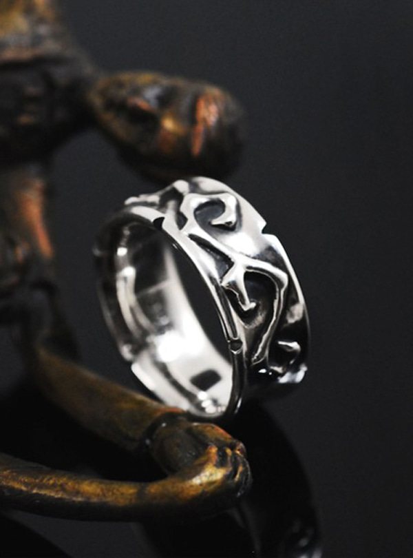 Luv vine-M silver ring