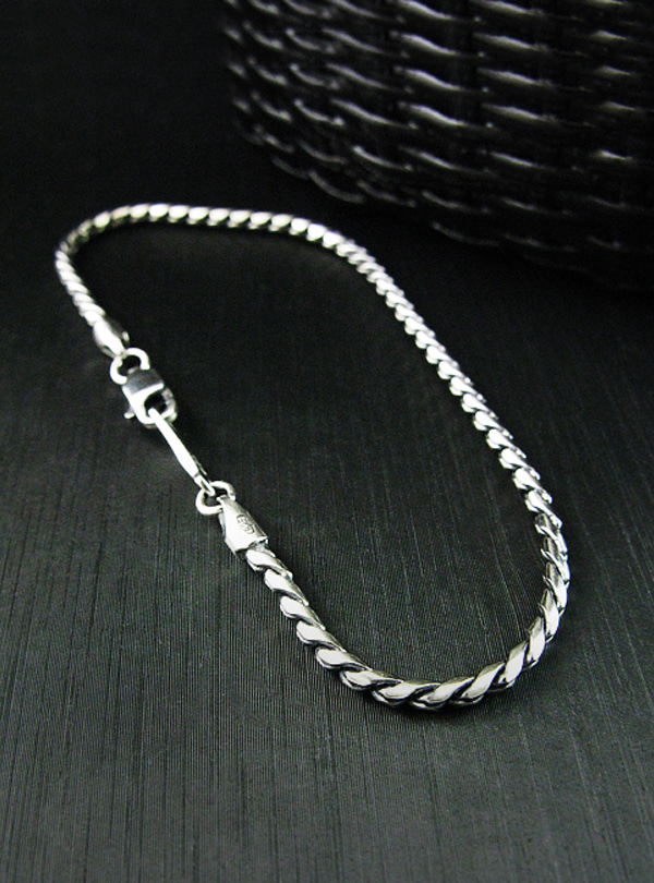 Modern antique-M1 Chain Bracelet