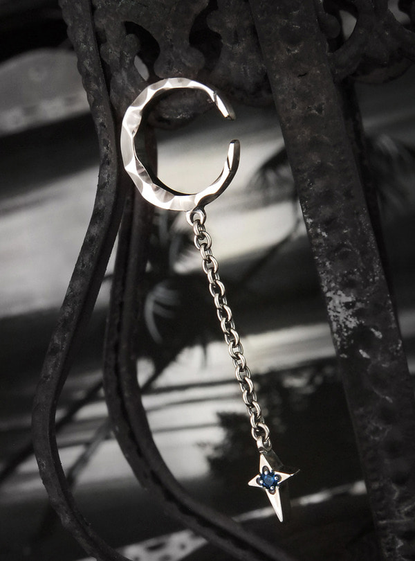 Crescent light-D201 Earring